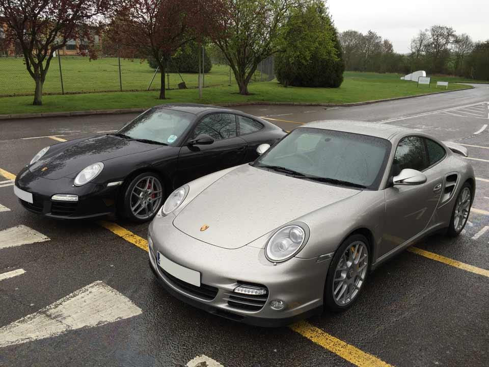 Porsche 997 C2S (left) Porsche 997 Turbo-S (right)